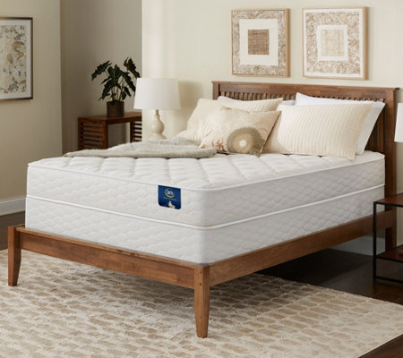 Serta Brookgate Plush Queen Mattress Set