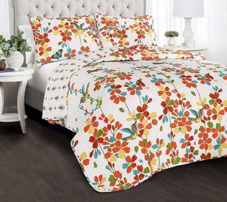 Weeping Flower 3-Piece Full/Queen Quilt Set byLush Decor