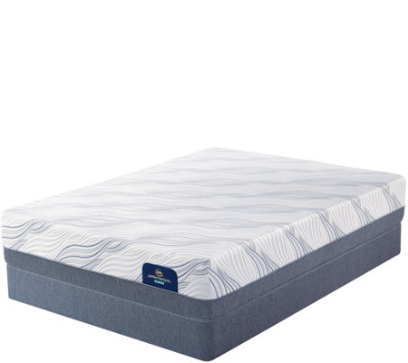 Serta Perfect Sleeper Hybrid Bellfair Cal King Plush Mattress Set