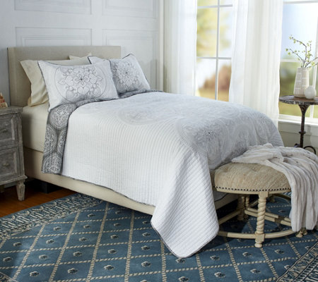 Imperial Medallion 100% Cotton Twin Embroidered Quilt