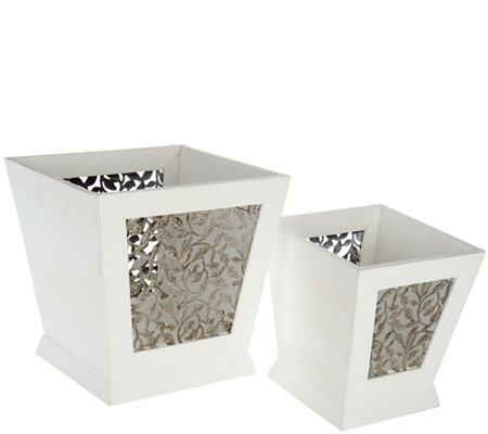 Set of 2 Nesting Planters with Leaf Motif and Liners
