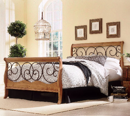 Fashion Bed Group Dunhill Autumn Honey Oak Queen Bed
