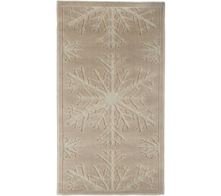 "Inspire Me! Home Decor 2'2""x 3'9"" Snowflake Accent Rug"