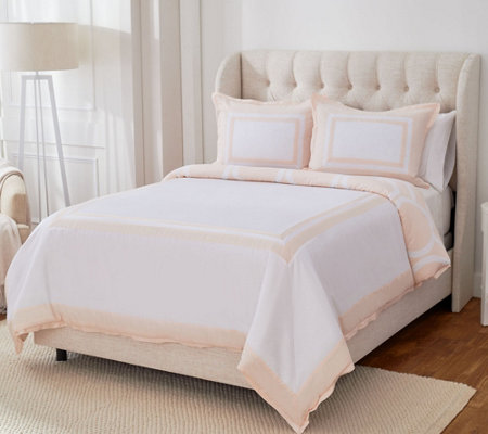 """As Is"" Stay by Stacy Garcia Queen Hotel Signature Comforter Set"