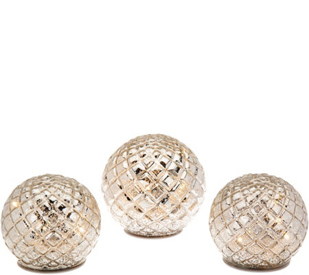 Set of 3 Illuminated Diamond Pattern Spheres by Valerie