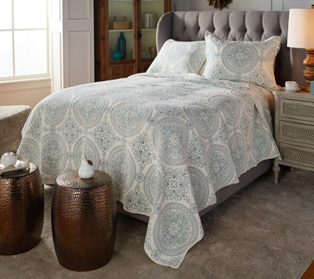 Casa Zeta-Jones Embroidered Medallion Cotton Queen Quilt Set