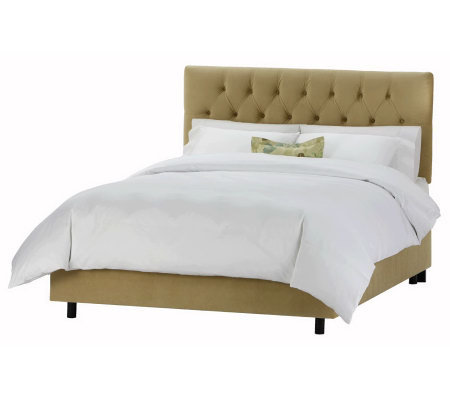 Skyline Furniture Cal. King Tufted Velvet Bed