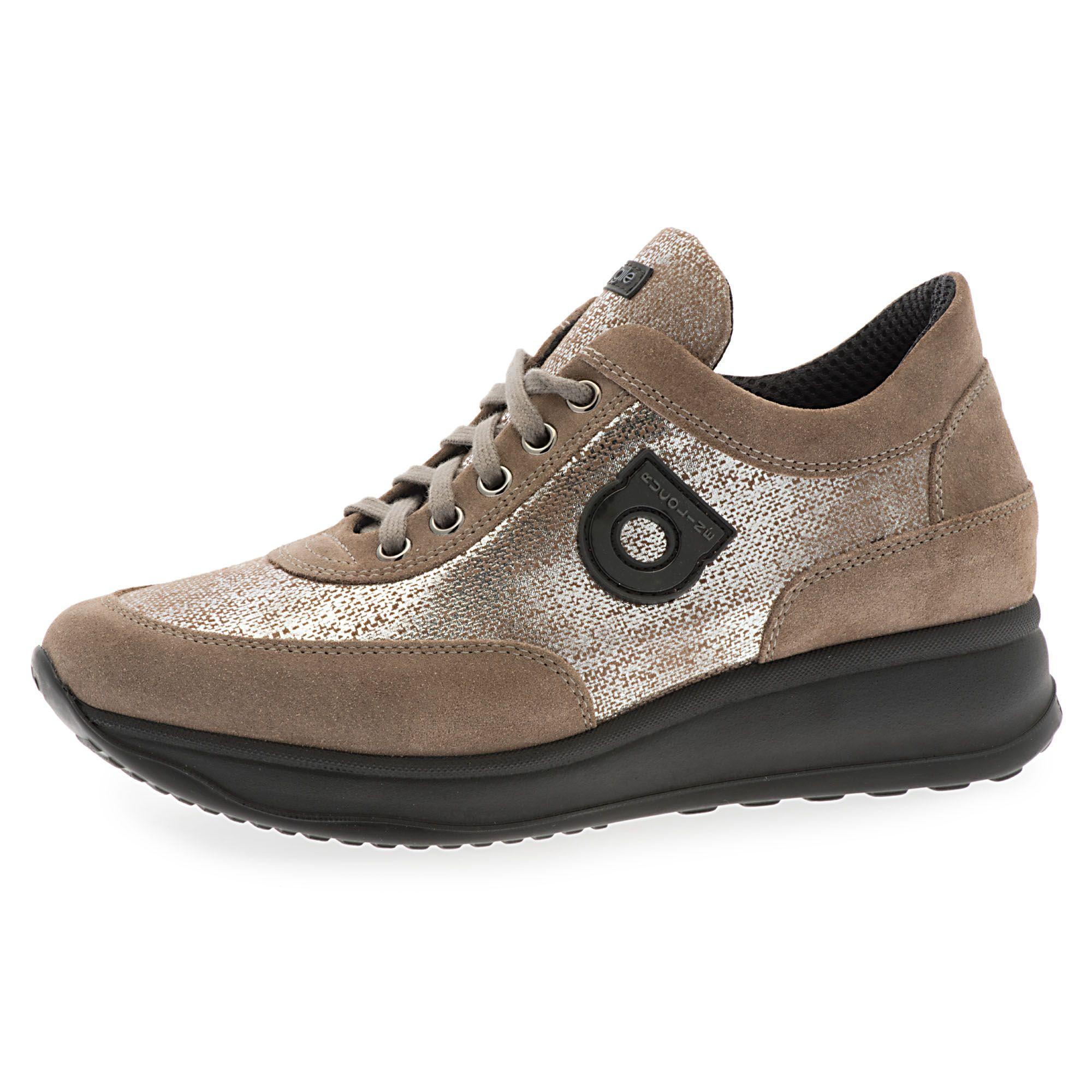 Image of Sneaker scamosciata con inserti patchwork e zeppa di 4cm