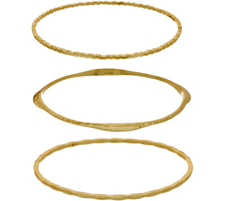 BROOKE SHIELDS Timeless Set of Three Textured Bangles