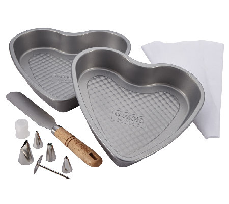Cake Boss 10-Piece Santa and Heart Bakeware Set