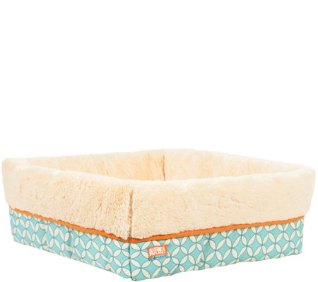 Animal Planet Small Square Cuff Pet Bed - Mod Geo