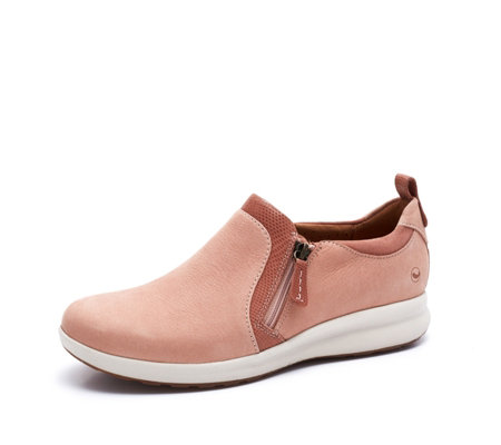 Clarks Unstructured Un Adorn Zip SlipOn Trainer Standard Fit