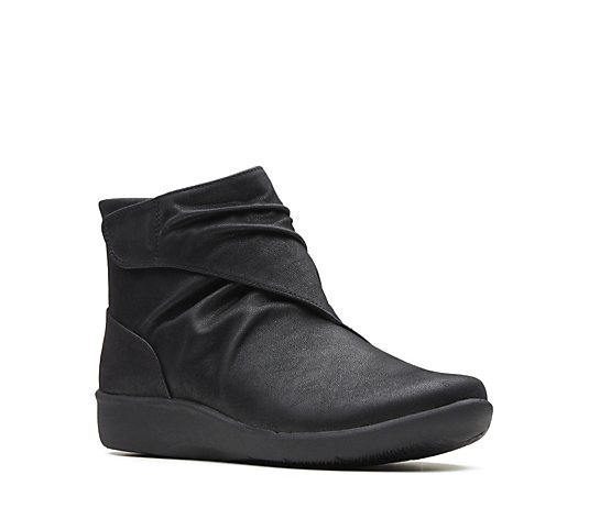 Clarks Sillian Tana Ankle Boot Wide Fit