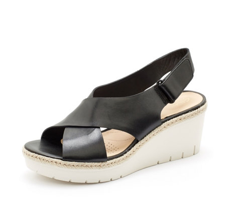 Clarks Palm Glow Wedge Sandal Standard Fit