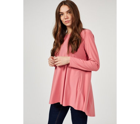 Antthony Designs Round Neck Pleat Back Top