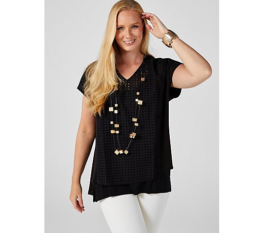 WynneLayers V Neck Hi Lo Hem Top with Eyelet Detail