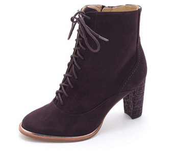 Clarks Ellis Ida Suede Lace Up Ankle Boot - 168143