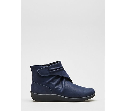 Clarks Sillian Tana Ankle Boot Standard Fit