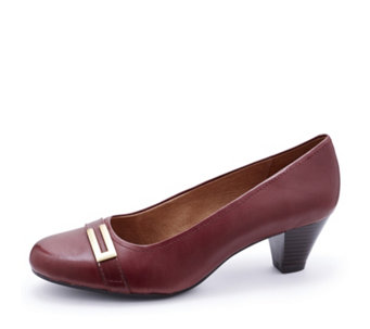 Clarks Fearne Shine Court Shoe Wide Fit - 158247