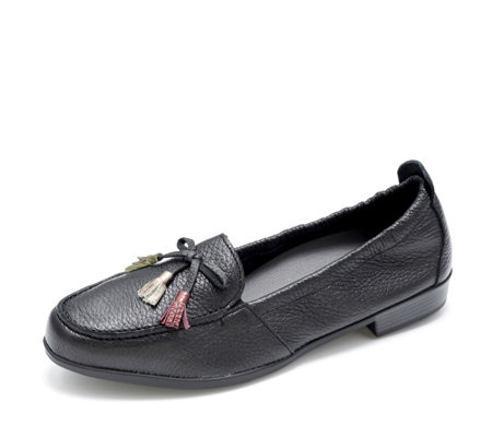 Vitaform Leather Loafer with Coloured Tassel Detail