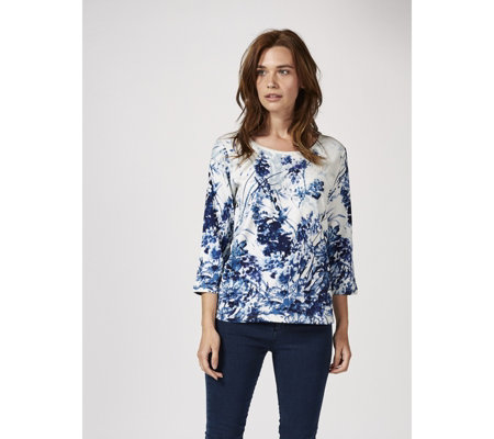 Artscapes Meadow Garden 3/4 Sleeve Scoop Neck Top