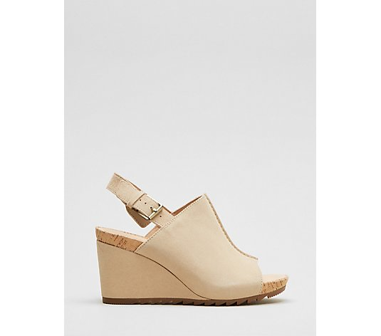Clarks Flex Stitch Wedge Shoe