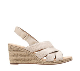 adf2ba884e04 Clarks Lafely Krissy Wedge Sandal Standard Fit - 170976