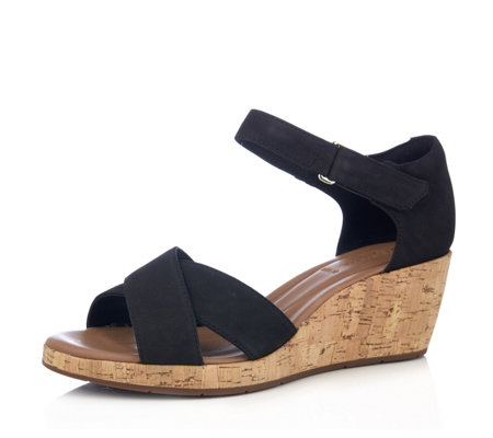 Clarks Un Plaza Cross Wedge Sandal Wide Fit
