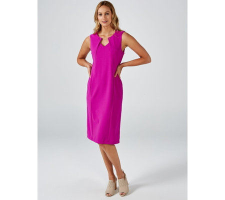 Ronni Nicole Sleeveless Scuba Crepe Dress with Keyhole