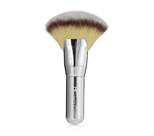IT Cosmetics Luxe Silver Fan Brush