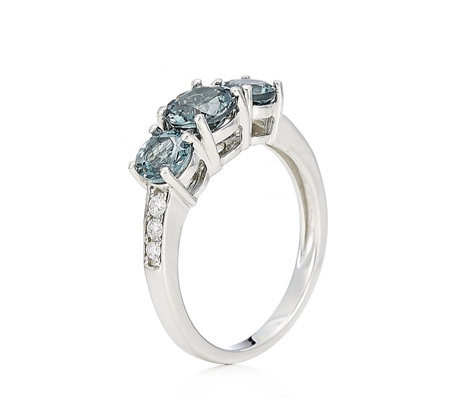 1.60ct Grey Spinel & 0.14ct Diamond Trilogy Ring 9ct Gold