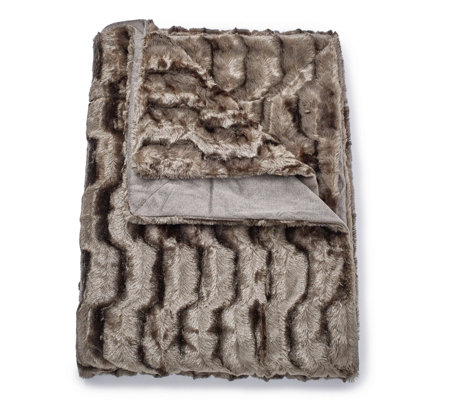 K By Kelly Hoppen Gentle Waves Faux Fur Throw