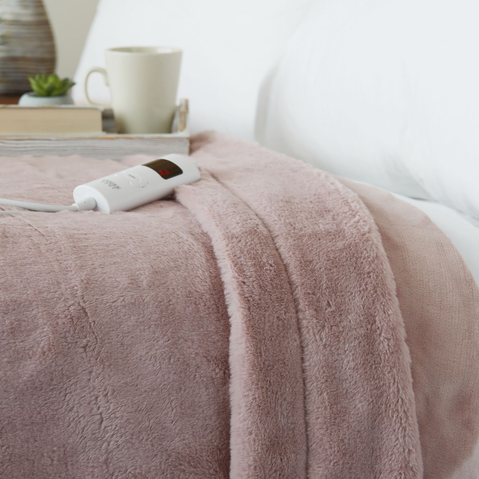 Cozee Home Luxury Faux Fur Heated Throw With 6 Heat Settings Qvc Uk