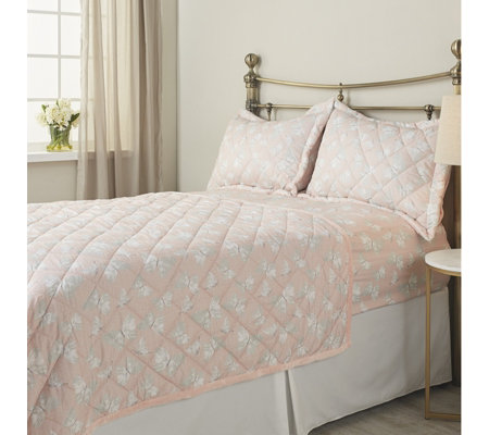 Cozee Home Evelyn Quilted Throw