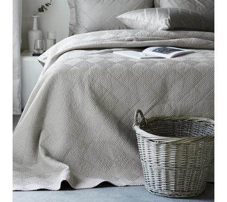 K by Kelly Hoppen 100% Cotton Diamond Bedspread