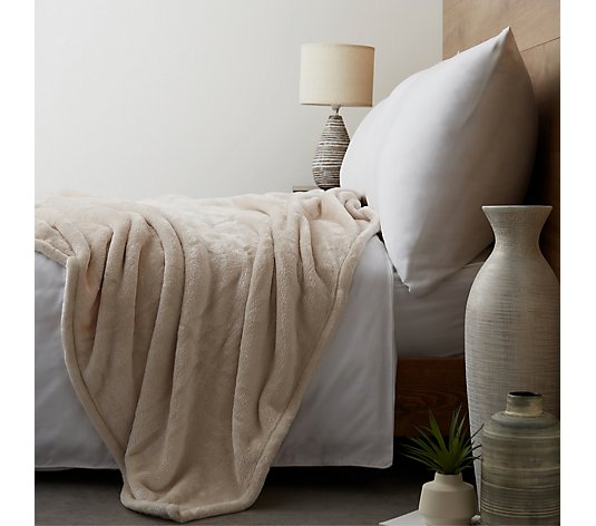 Cozee Home Velvetsoft Throw